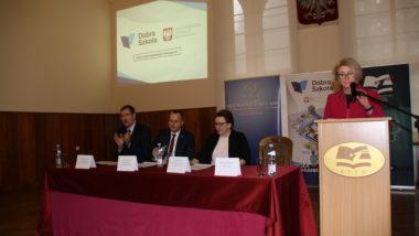 Spotkanie informacyjne w sprawie reformy edukacji w Jeleniej Górze