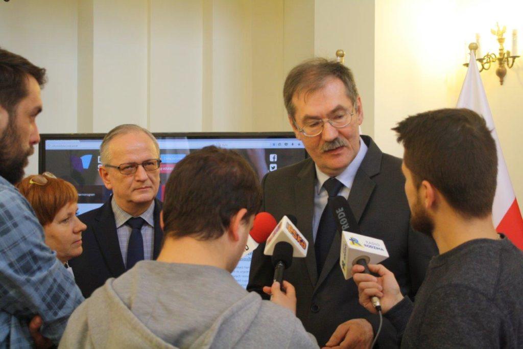 Konferencja prasowa podsumowująca kolejny etap wdrażania reformy edukacji w szkołach i placówkach na Dolnym Śląsku