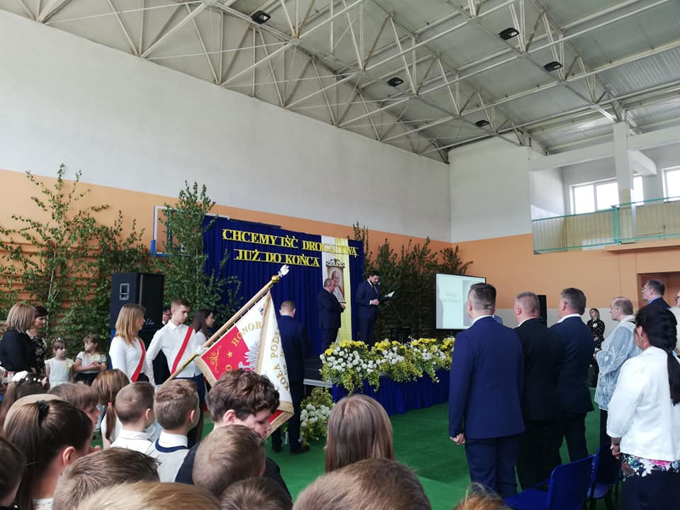 Nadanie szkole imienia Szkole Podstawowej w Przewornie