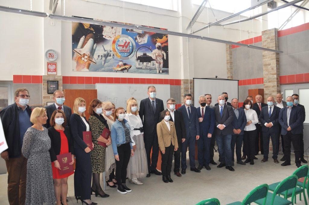 Otwarcie nowej pracowni obrabiarek sterowanych numerycznie w ZSZ w Ząbkowicach Śląskich